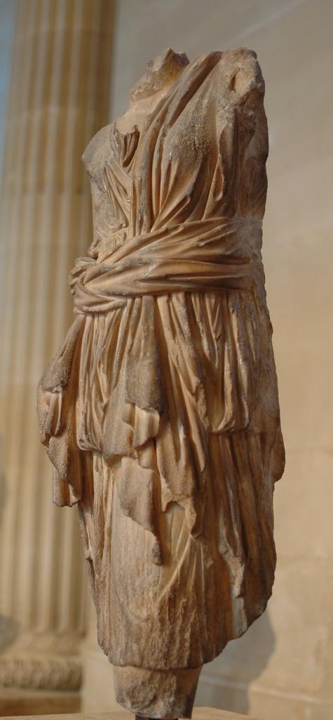 scultura-greco-romana-rappresentante-una-tunica